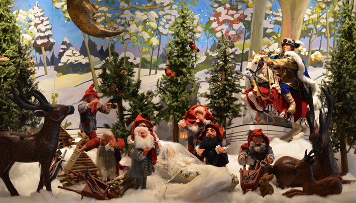Snow White and the Seven Dwarfs at Mills Brothers
